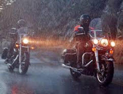 نکاتی در باره موتور سواری در هوای بارانی